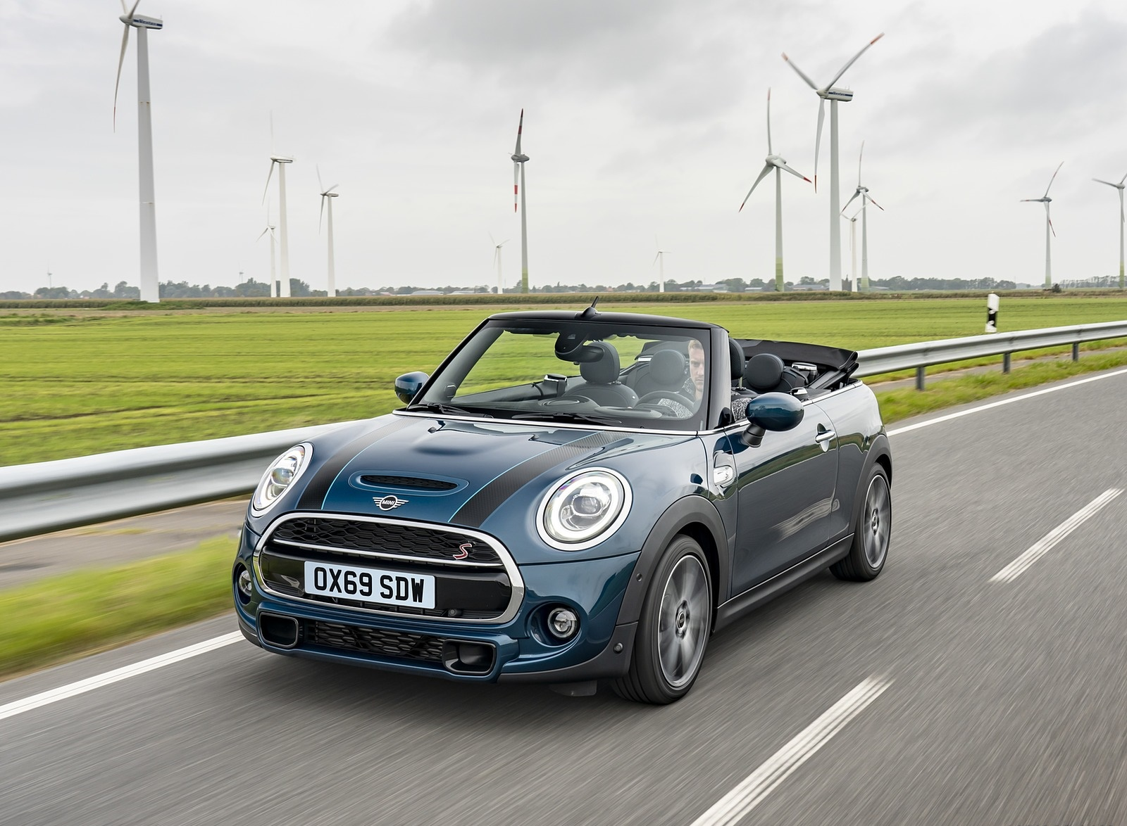 2021 MINI Convertible Sidewalk Edition Front Three-Quarter Wallpapers (1)