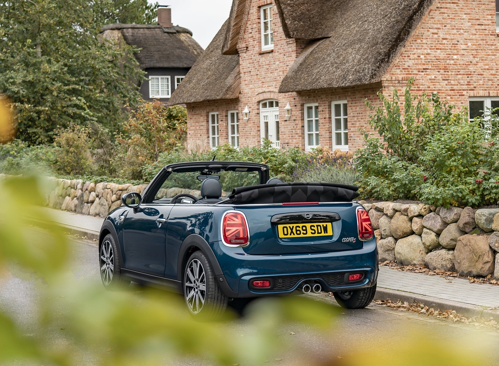 2021 MINI Convertible Sidewalk Edition Rear Three-Quarter Wallpapers (9)