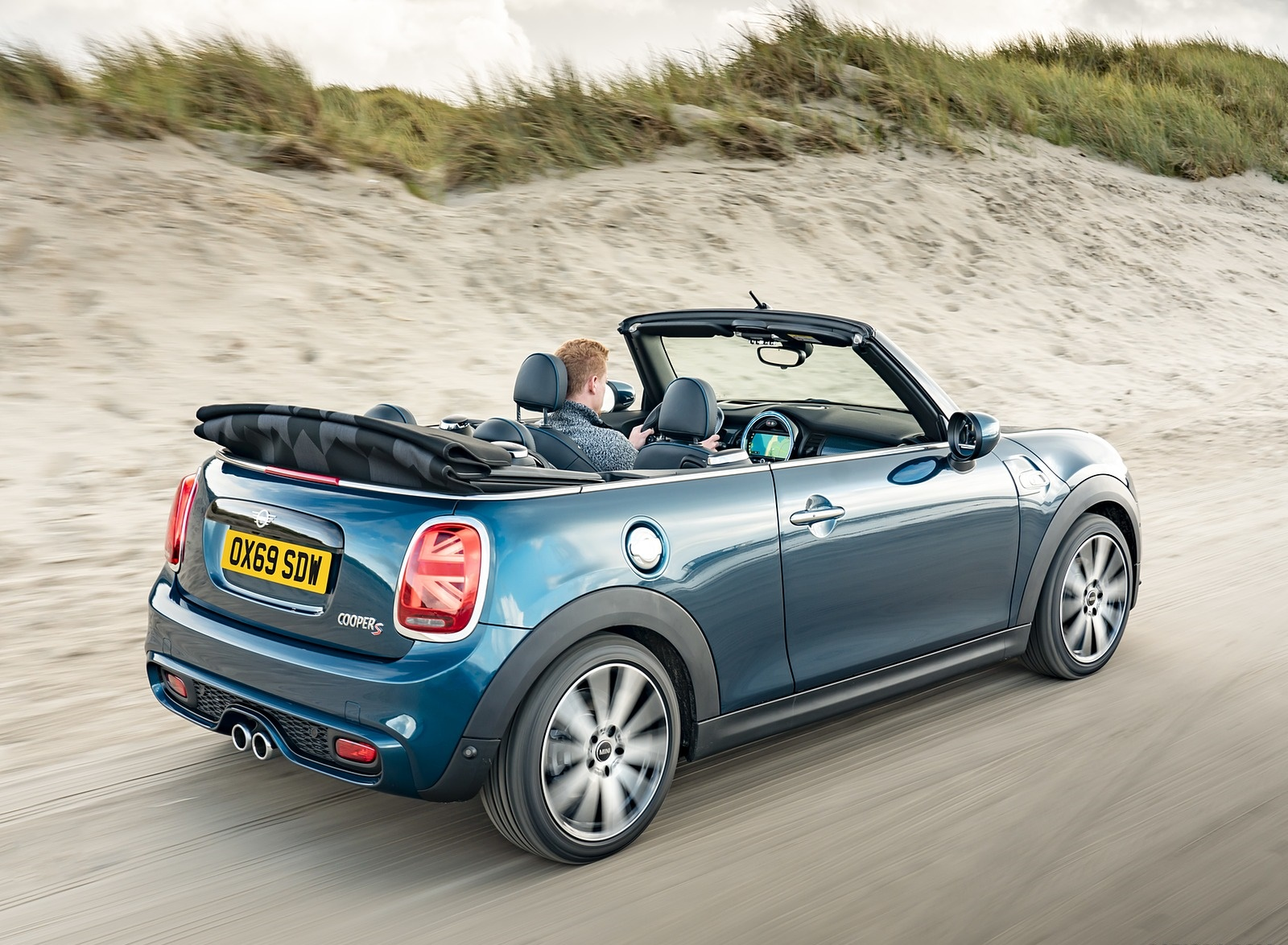 2021 MINI Convertible Sidewalk Edition Rear Three-Quarter Wallpapers (10)