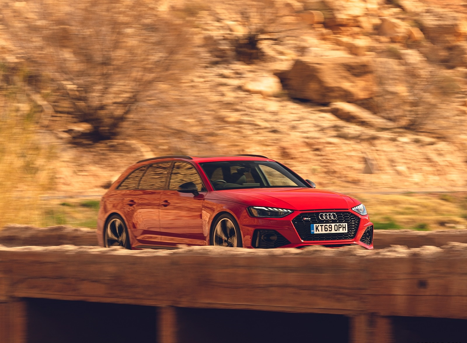 2020 Audi RS 4 Avant (UK-Spec) Front Three-Quarter Wallpapers (4)