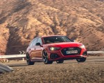 2020 Audi RS 4 Avant (UK-Spec) Front Three-Quarter Wallpapers 150x120 (44)