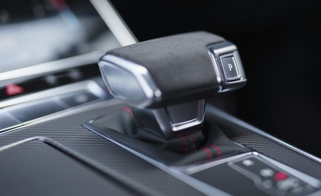 2020 Audi RS 6 Avant (UK-Spec) Central Console Wallpapers 450x275 (128)
