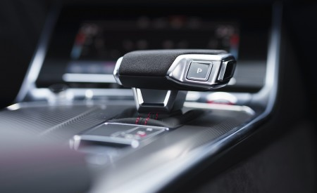 2020 Audi RS 6 Avant (UK-Spec) Central Console Wallpapers 450x275 (127)