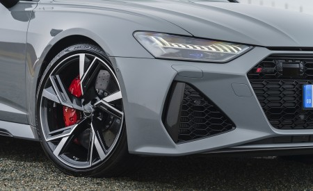 2020 Audi RS 6 Avant (UK-Spec) Detail Wallpapers 450x275 (79)