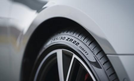 2020 Audi RS 6 Avant (UK-Spec) Detail Wallpapers 450x275 (90)