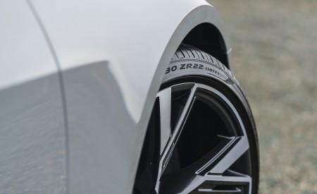 2020 Audi RS 6 Avant (UK-Spec) Detail Wallpapers 450x275 (89)