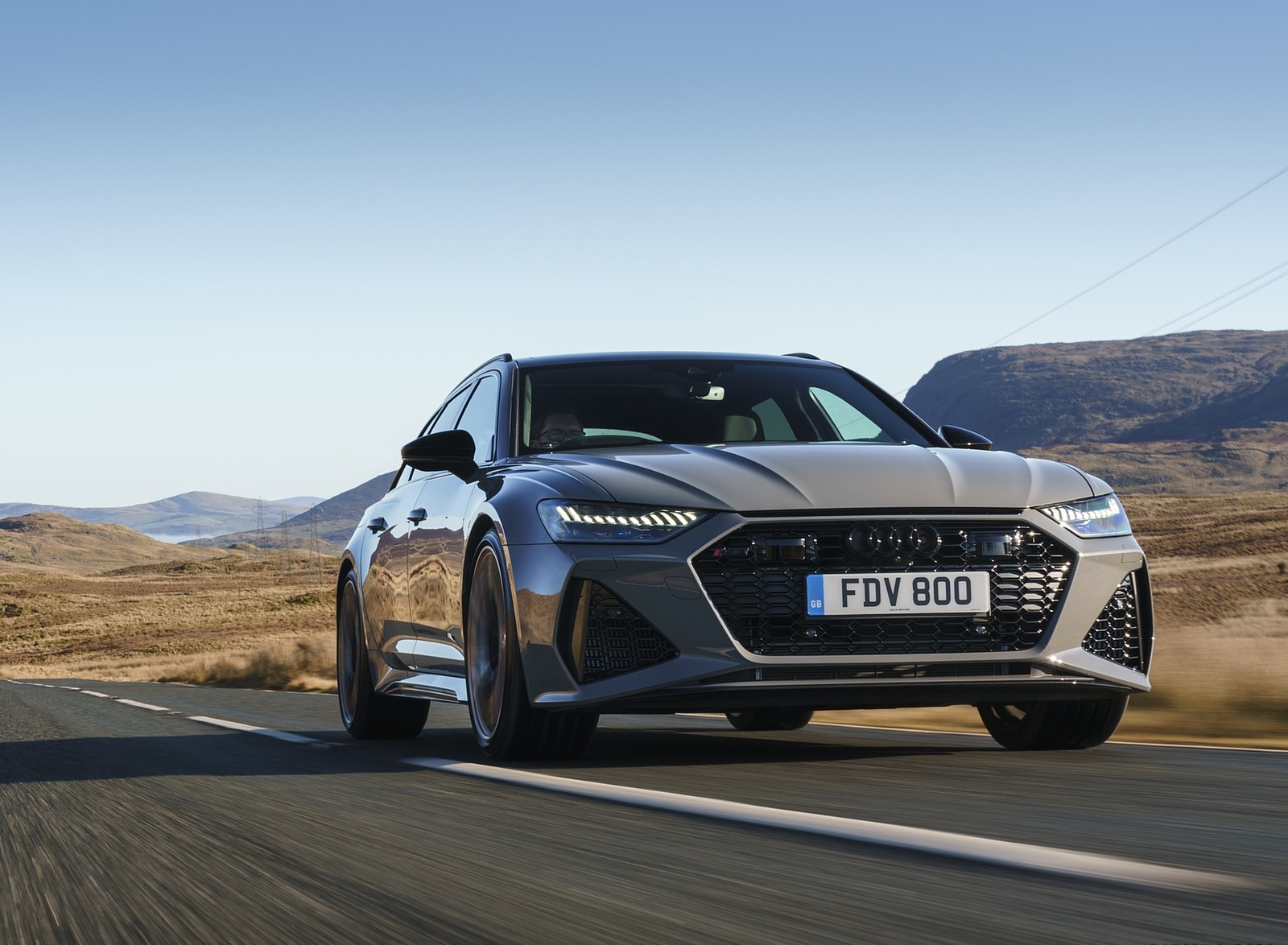 2020 Audi RS 6 Avant (UK-Spec) Front Three-Quarter Wallpapers (2)