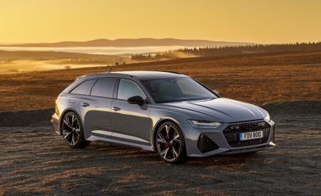 2020 Audi RS 6 Avant (UK-Spec) Front Three-Quarter Wallpapers 450x275 (61)