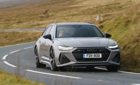 2020 Audi RS 6 Avant (UK-Spec) Front Three-Quarter Wallpapers 450x275 (37)