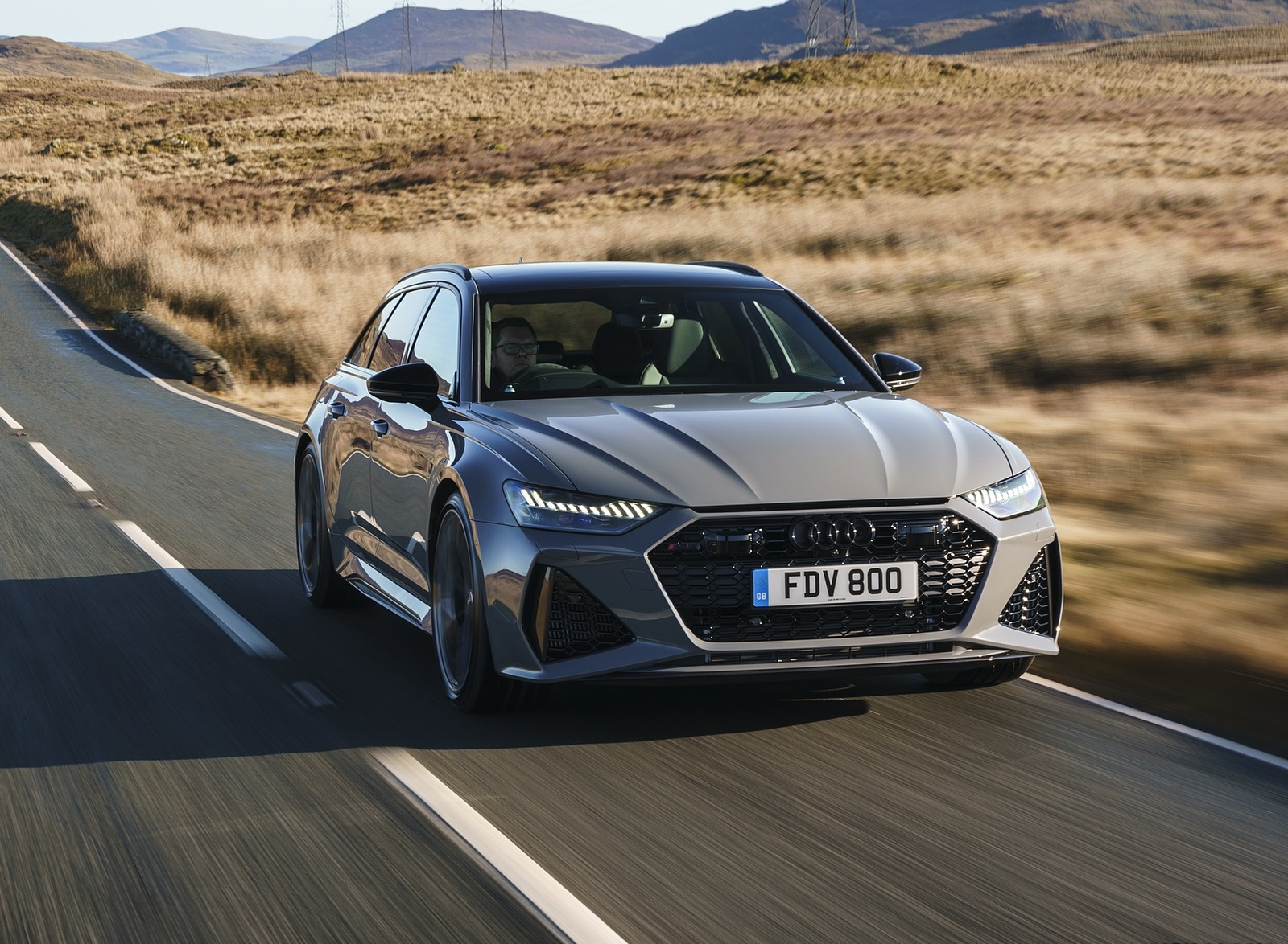 2020 Audi RS 6 Avant (UK-Spec) Front Three-Quarter Wallpapers (4)