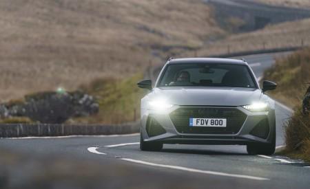 2020 Audi RS 6 Avant (UK-Spec) Front Wallpapers 450x275 (28)