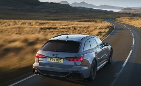 2020 Audi RS 6 Avant (UK-Spec) Rear Three-Quarter Wallpapers 450x275 (31)