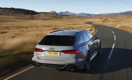 2020 Audi RS 6 Avant (UK-Spec) Rear Three-Quarter Wallpapers 450x275 (18)