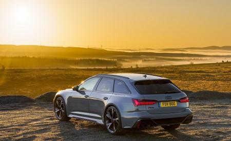 2020 Audi RS 6 Avant (UK-Spec) Rear Three-Quarter Wallpapers 450x275 (64)