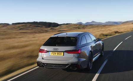 2020 Audi RS 6 Avant (UK-Spec) Rear Three-Quarter Wallpapers 450x275 (20)