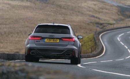 2020 Audi RS 6 Avant (UK-Spec) Rear Wallpapers 450x275 (13)