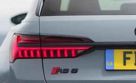 2020 Audi RS 6 Avant (UK-Spec) Tail Light Wallpapers 450x275 (99)