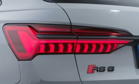 2020 Audi RS 6 Avant (UK-Spec) Tail Light Wallpapers 450x275 (93)