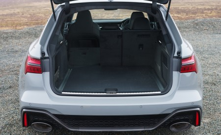 2020 Audi RS 6 Avant (UK-Spec) Trunk Wallpapers 450x275 (144)