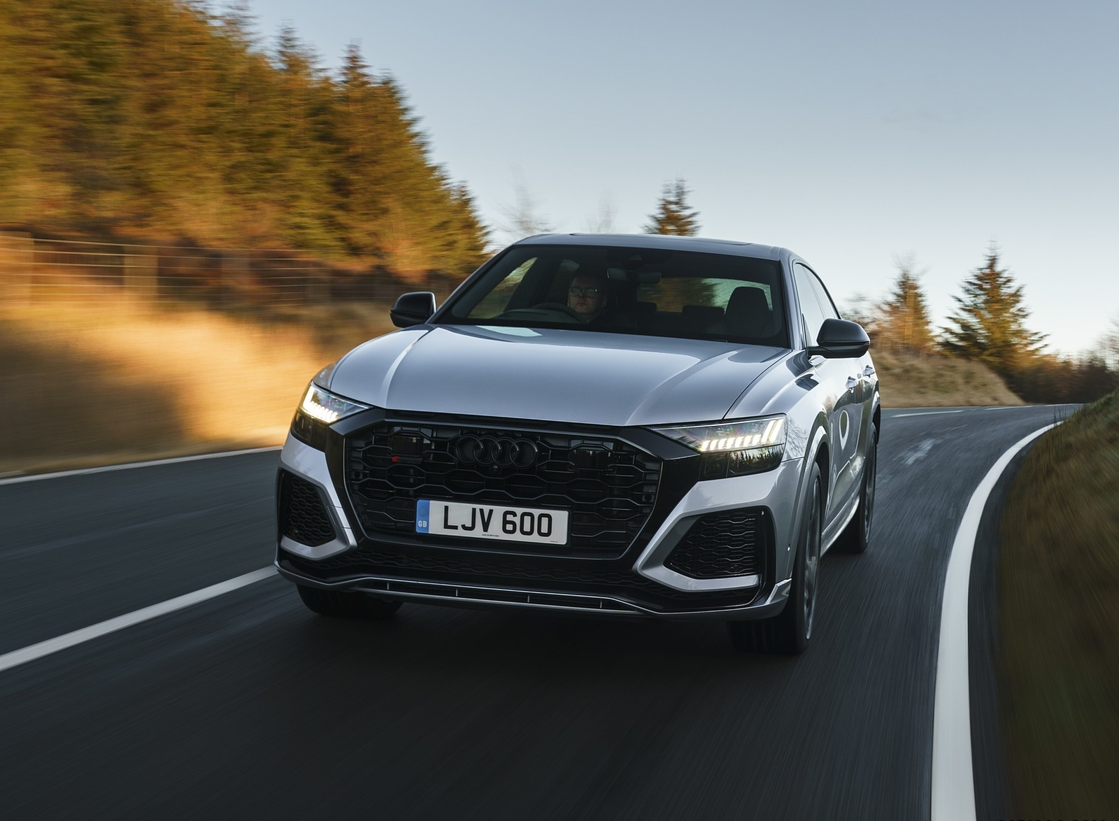 2020 Audi RS Q8 (UK-Spec) Front Wallpapers (8)