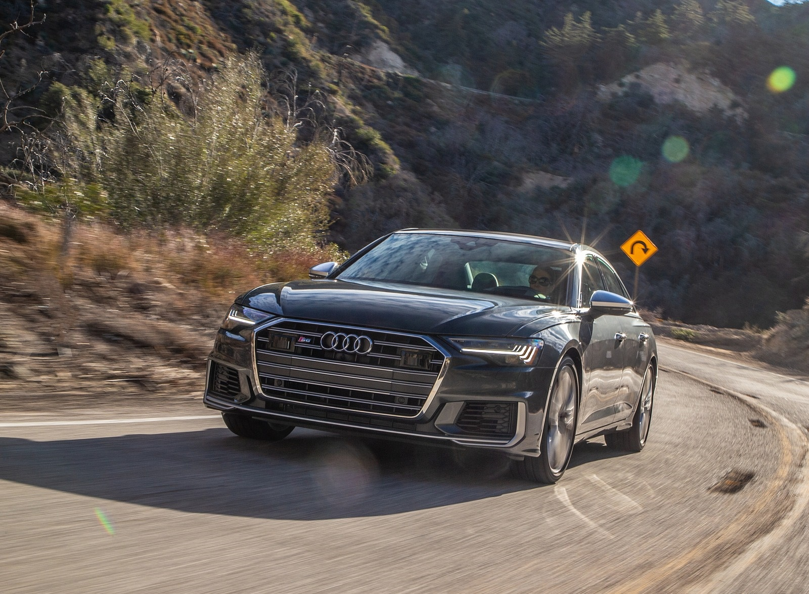 2020 Audi S6 (US-Spec) Front Wallpapers (4)