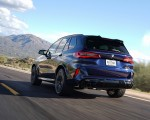 2020 BMW X5 M Competition (Color: Tanzanit Blue Metallic US-Spec) Rear Three-Quarter Wallpapers 150x120 (28)