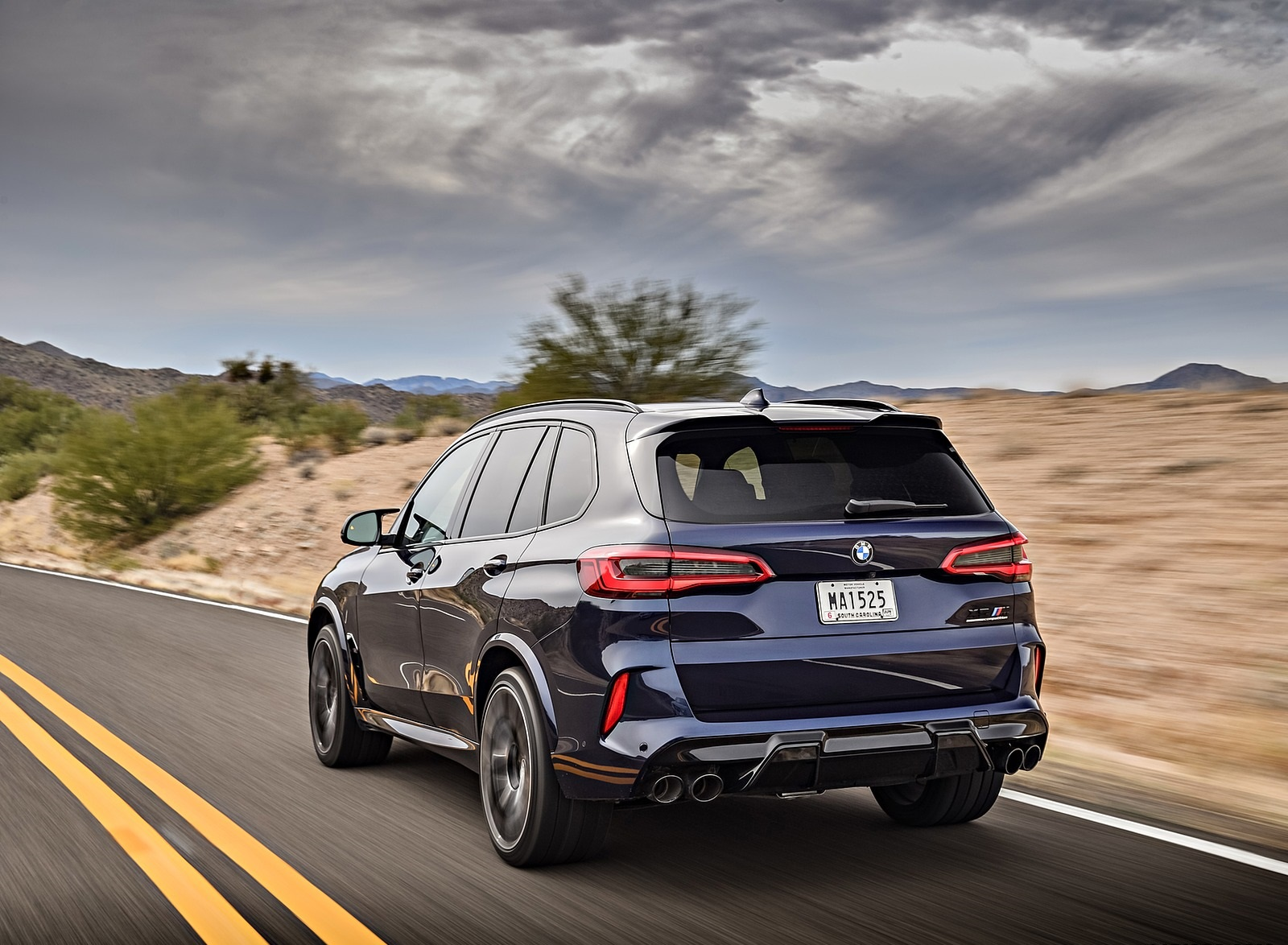 2020 BMW X5 M Competition (Color: Tanzanit Blue Metallic US-Spec) Rear Three-Quarter Wallpapers (5)