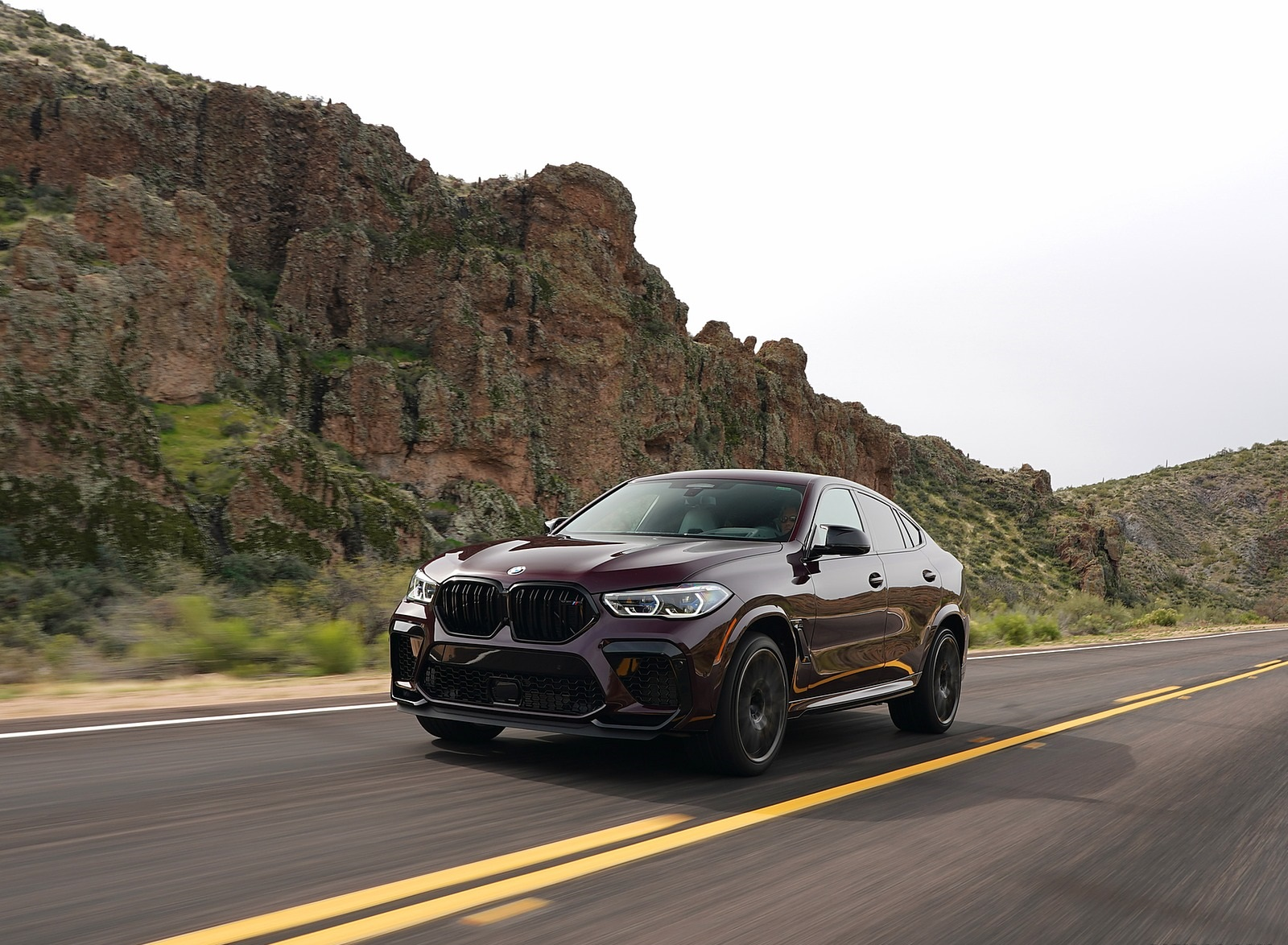 2020 BMW X6 M Competition (Color: Ametrine Metallic; US-Spec) Front Three-Quarter Wallpapers (10)
