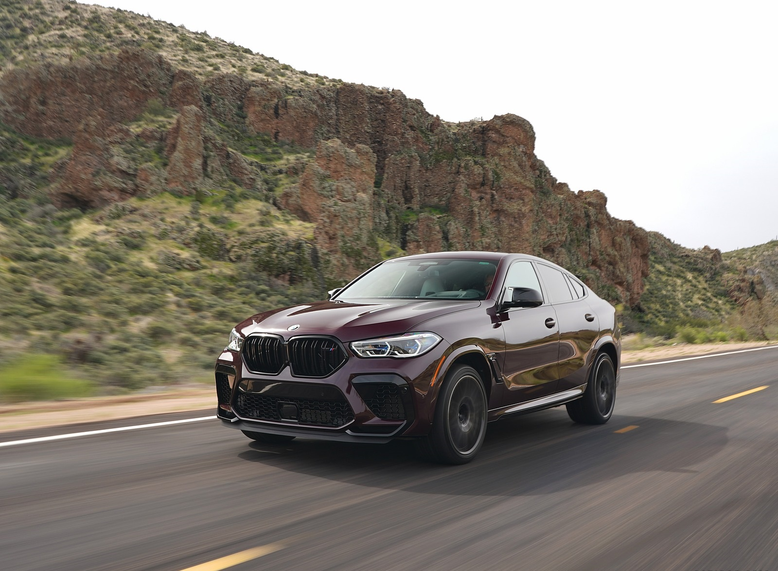 2020 BMW X6 M Competition (Color: Ametrine Metallic; US-Spec) Front Three-Quarter Wallpapers (4)