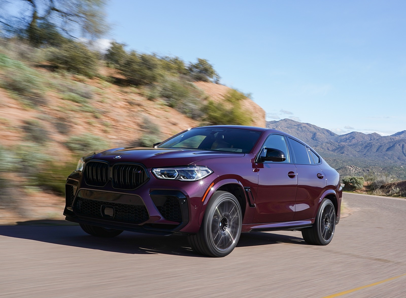2020 BMW X6 M Competition (Color: Ametrine Metallic; US-Spec) Front Three-Quarter Wallpapers (5)