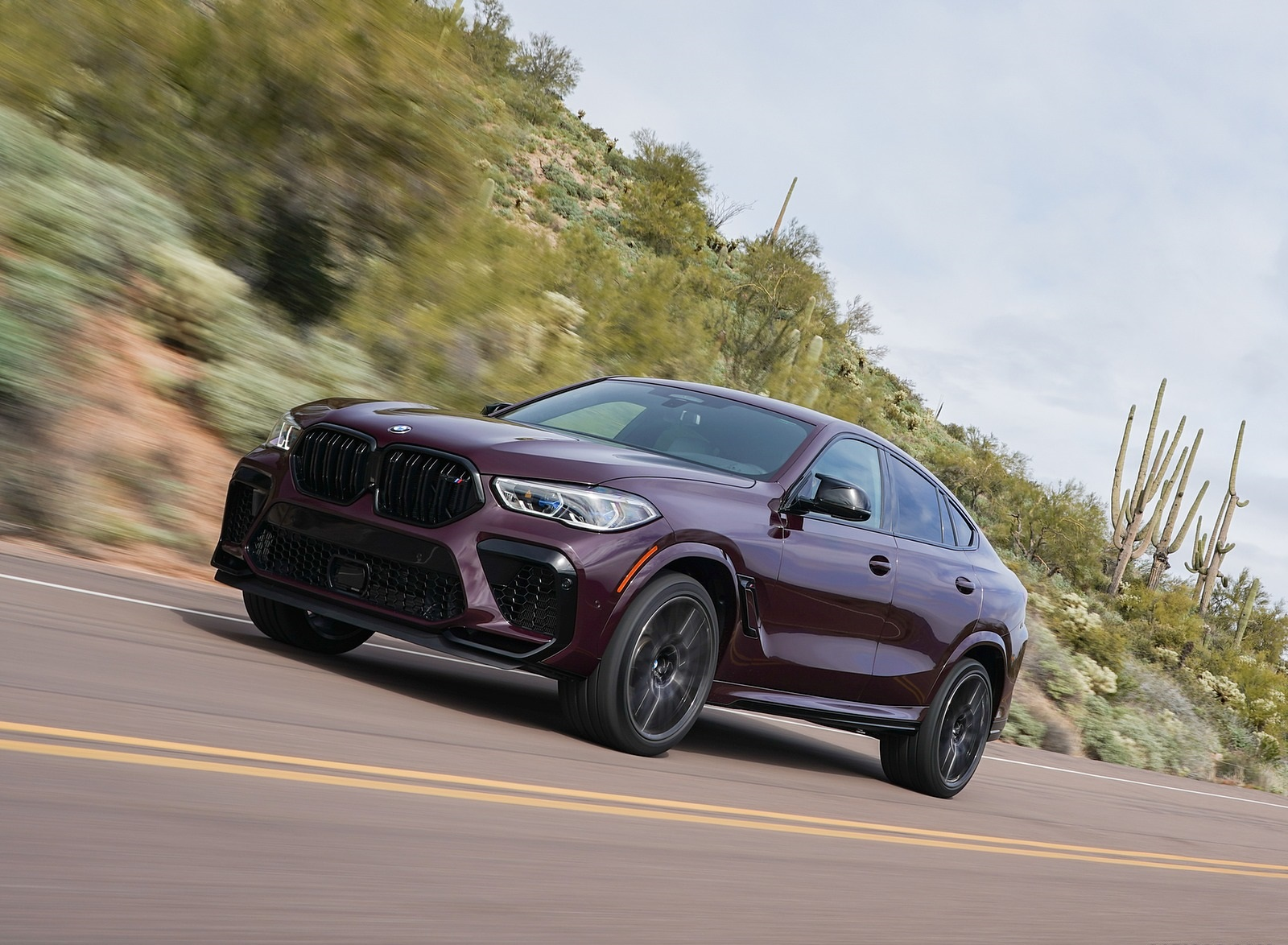 2020 BMW X6 M Competition (Color: Ametrine Metallic; US-Spec) Front Three-Quarter Wallpapers (7)