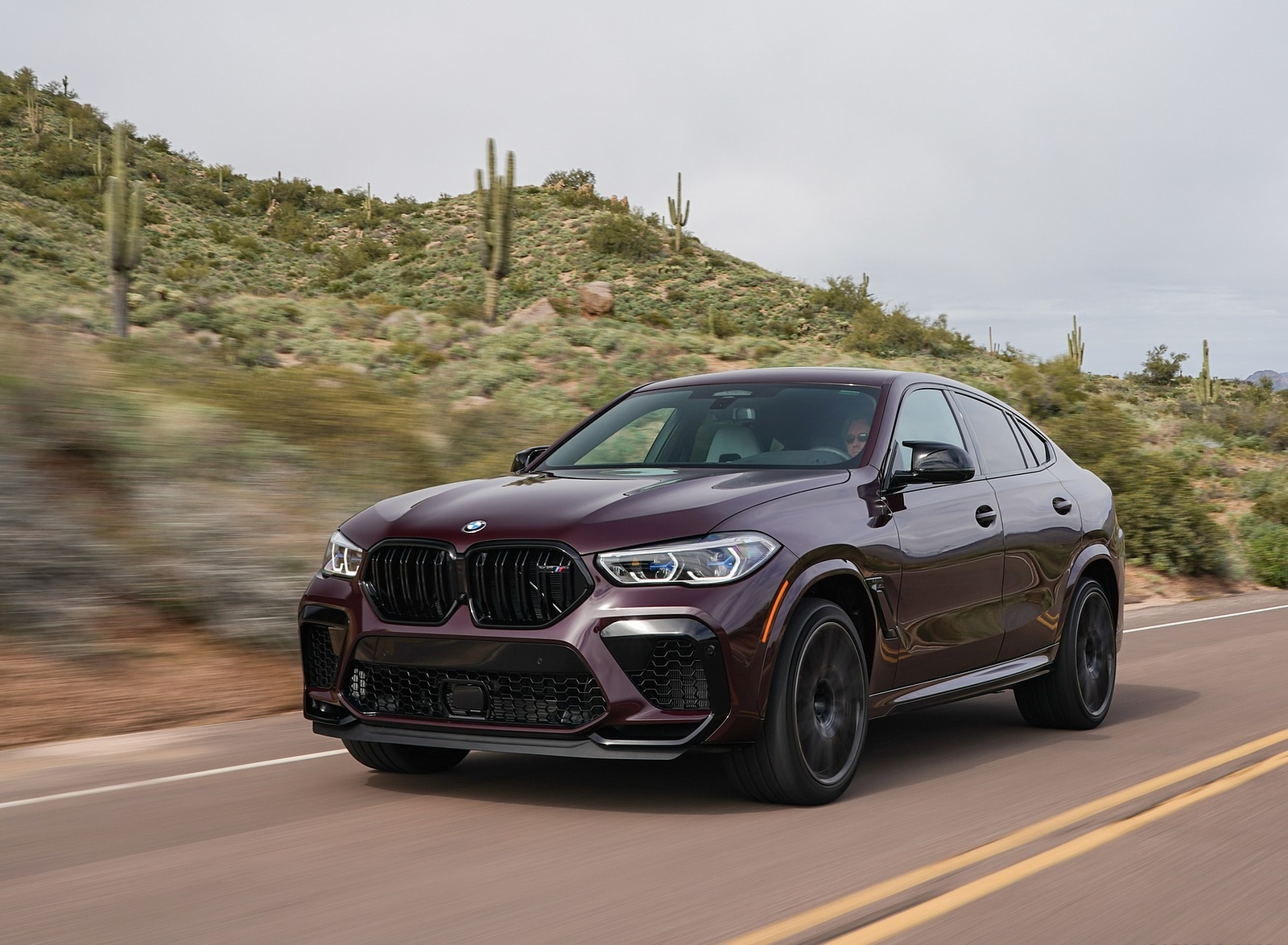 2020 BMW X6 M Competition (Color: Ametrine Metallic; US-Spec) Front Three-Quarter Wallpapers (8)