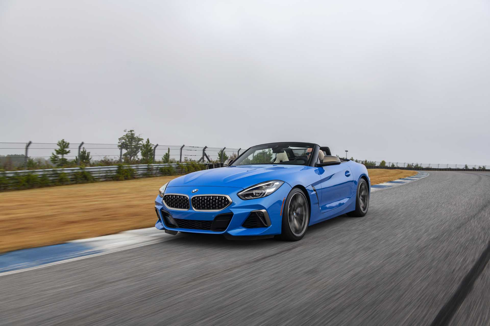 2020 BMW Z4 M40i Roadster (Color: Misano Blue Metallic) Front Three-Quarter Wallpapers (3)