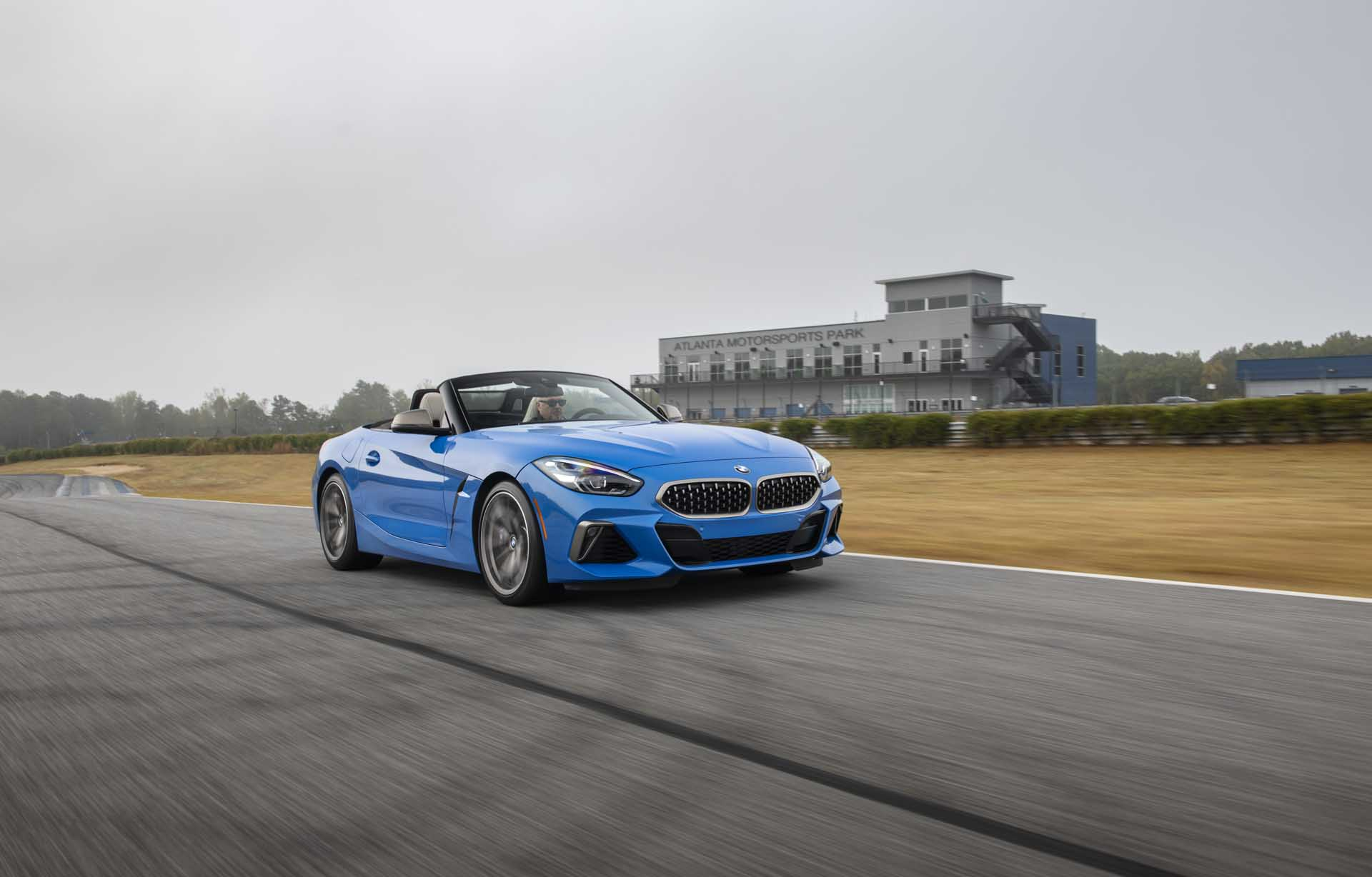 2020 BMW Z4 M40i Roadster (Color: Misano Blue Metallic) Front Three-Quarter Wallpapers (4)