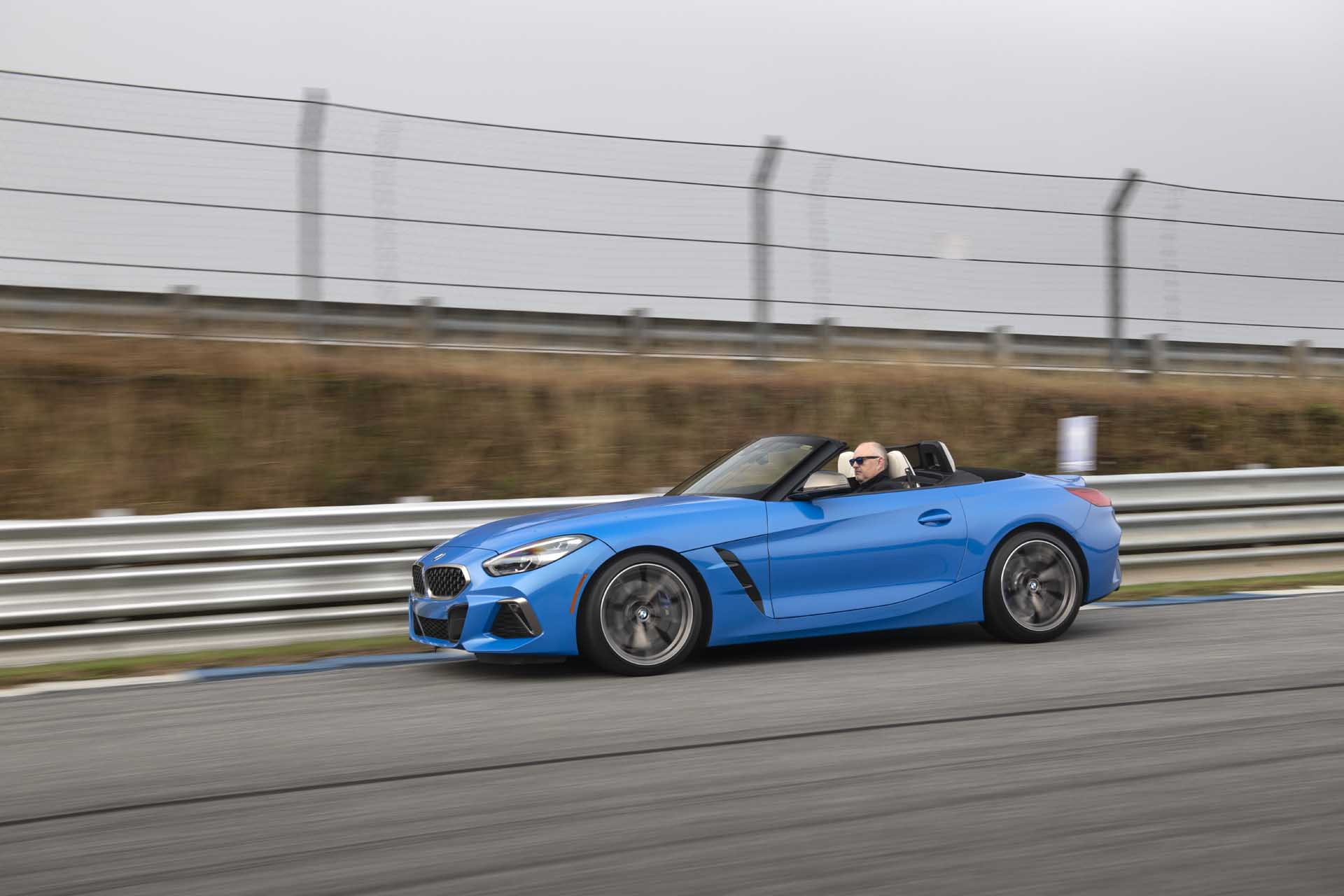 2020 BMW Z4 M40i Roadster (Color: Misano Blue Metallic) Front Three-Quarter Wallpapers (6)