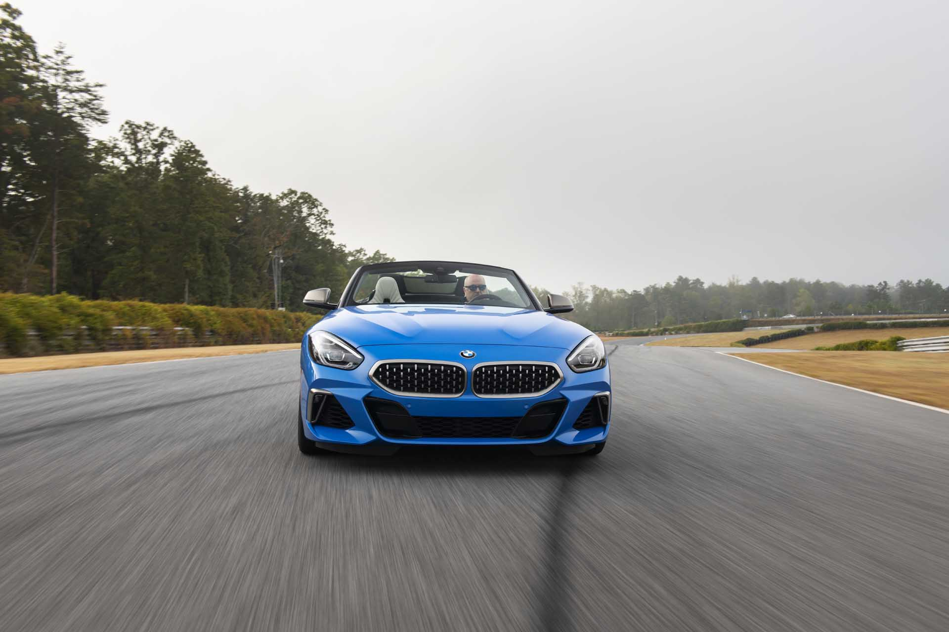 2020 BMW Z4 M40i Roadster (Color: Misano Blue Metallic) Front Wallpapers (2)