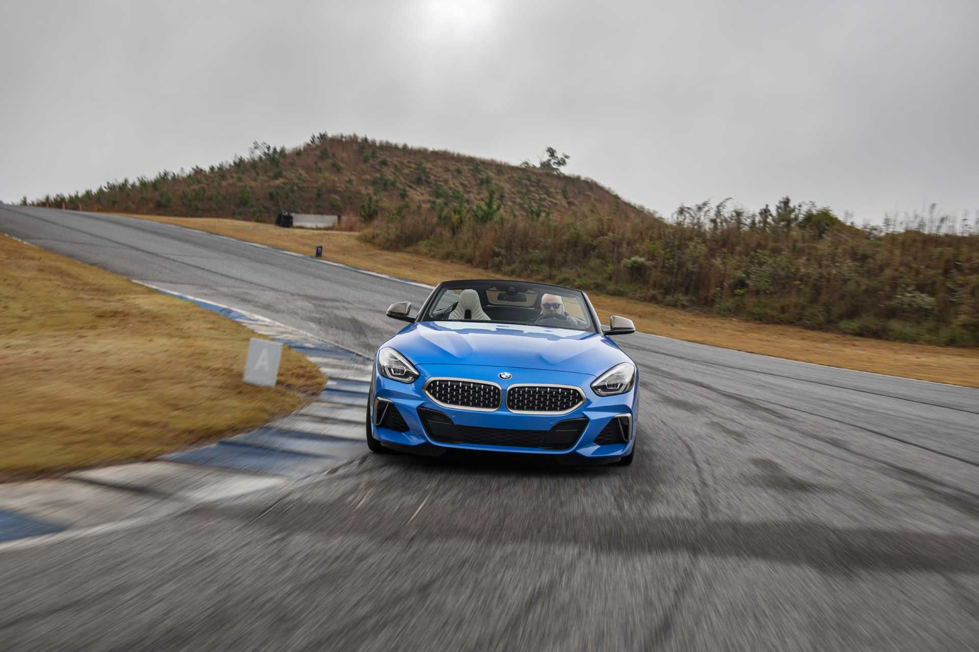 2020 BMW Z4 M40i Roadster (Color: Misano Blue Metallic) Front Wallpapers (7)