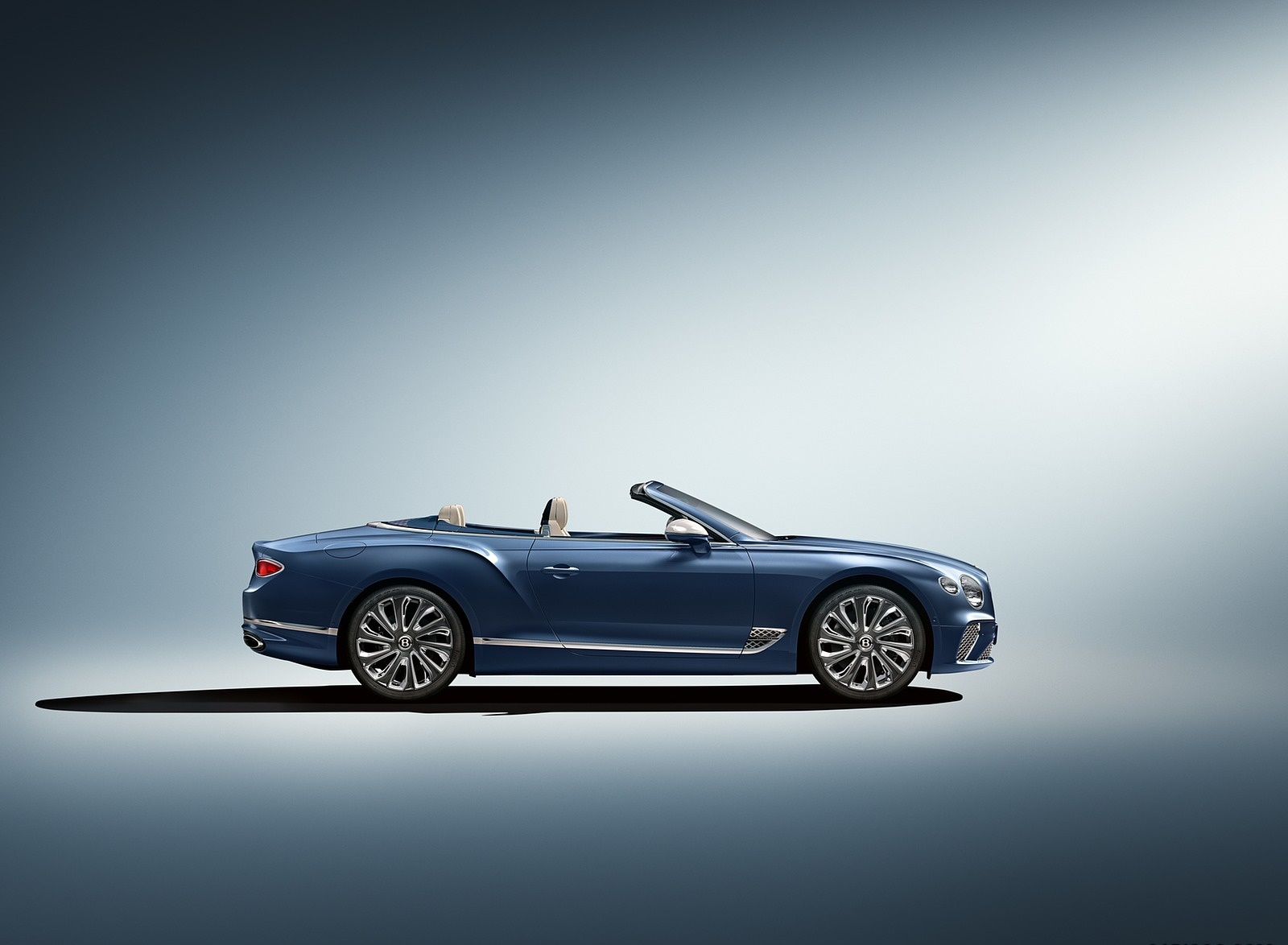 2020 Bentley Continental GT Mulliner Convertible Side Wallpapers (3)