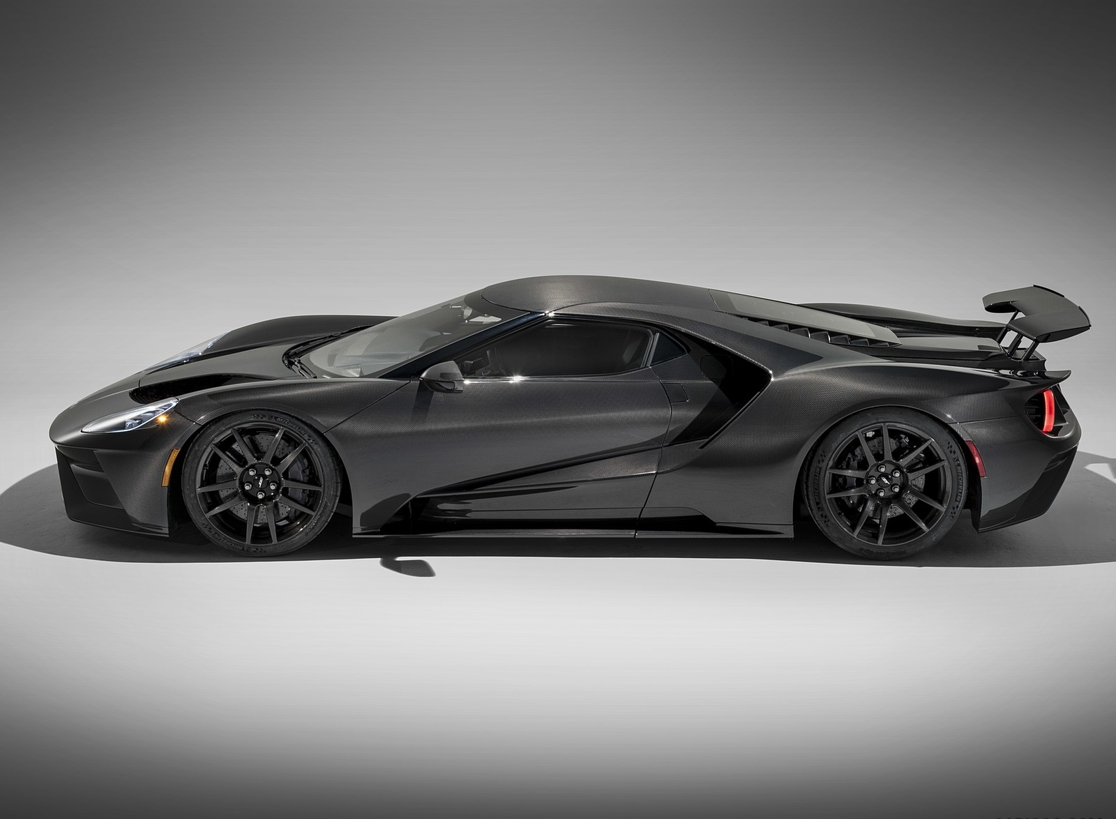 2020 Ford GT Liquid Carbon Side Wallpapers (3)