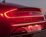 2020 Hyundai Sonata Hybrid Tail Light Wallpapers 150x120 (9)