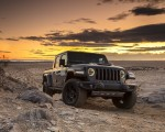 2020 Jeep Gladiator Mojave Front Three-Quarter Wallpapers 150x120 (35)