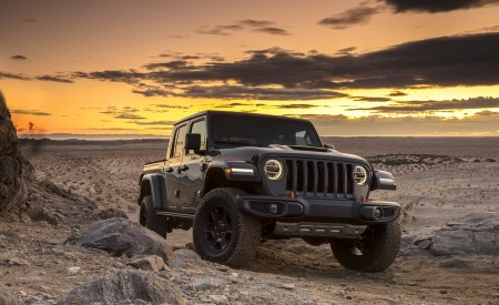 2020 Jeep Gladiator Mojave Front Three-Quarter Wallpapers 450x275 (35)