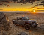 2020 Jeep Gladiator Mojave Front Three-Quarter Wallpapers 150x120 (36)
