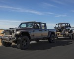 2020 Jeep Gladiator Mojave Front Three-Quarter Wallpapers 150x120 (7)