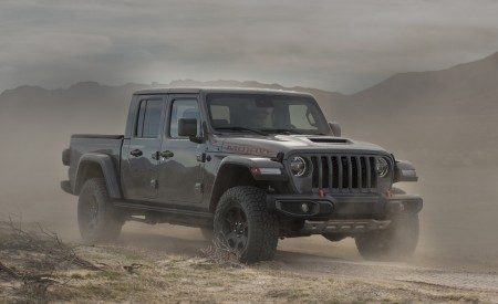 2020 Jeep Gladiator Mojave Front Three-Quarter Wallpapers 450x275 (13)