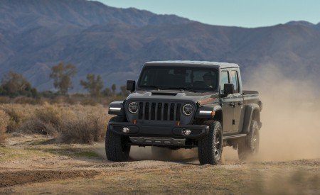 2020 Jeep Gladiator Mojave Front Three-Quarter Wallpapers 450x275 (11)