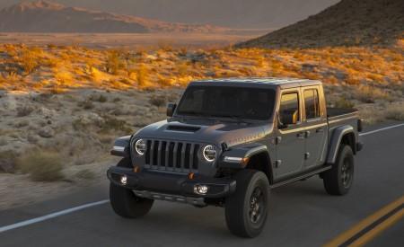 2020 Jeep Gladiator Mojave Front Three Quarter Wallpaper4