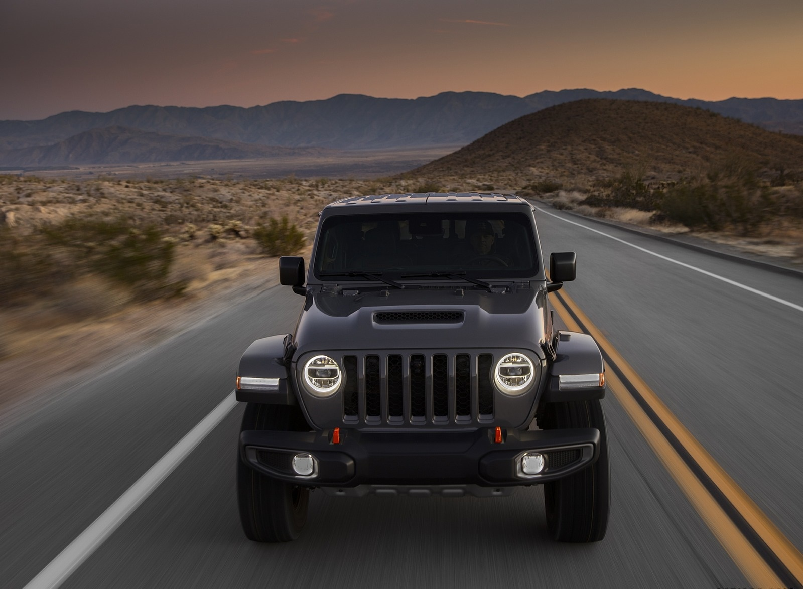 2020 Jeep Gladiator Mojave Front Wallpapers (4)