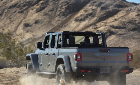 2020 Jeep Gladiator Mojave Off-Road Wallpapers 450x275 (23)