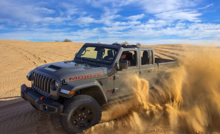 2020 Jeep Gladiator Mojave Off-Road Wallpapers 450x275 (28)